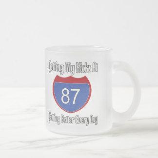 87.o cumpleaños de la ruta 66 taza de cristal