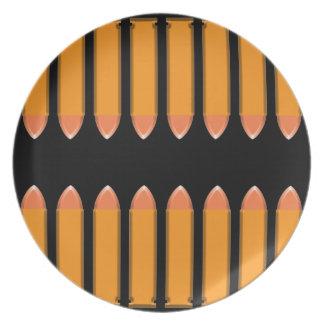 8 BALAS en fondo negro Platos