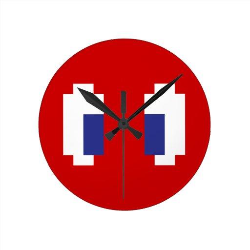 8 ojos de Manga del pixel del pedazo Reloj Redondo Mediano