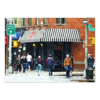 8vo Avenida. y calle de W 22do, Chelsea Comunicados
