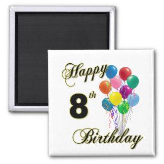 8vo imán del cumpleaños y ropa felices del cumplea