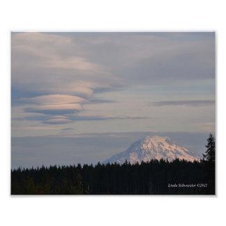 8X10 Mount Rainier with a HUGE Lenticular Cloud Photo