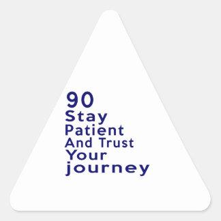 90 diseños del cumpleaños de la leyenda del pegatina triangular