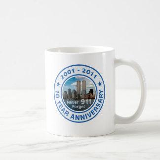 911 aniversario de 10 años taza básica blanca