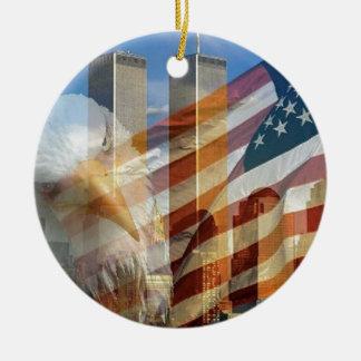 911 torres de la bandera del águila adorno navideño redondo de cerámica