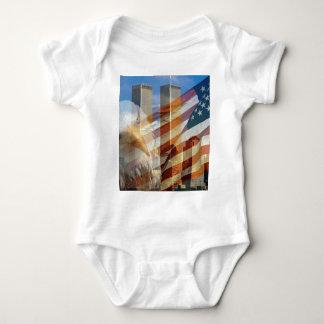 911 torres de la bandera del águila playera
