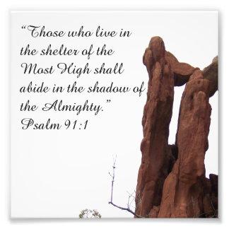 91:1 del salmo de la formación de roca que anima l fotografías