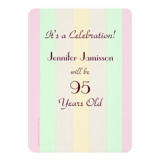 """95 años del fiesta rayado en colores pastel invitación 5"""" x 7"""""""