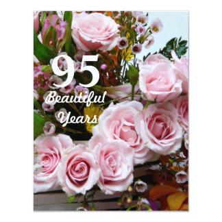 """¡95 años hermosos! - Fiesta de cumpleaños/rosas Invitación 4.25"""" X 5.5"""""""