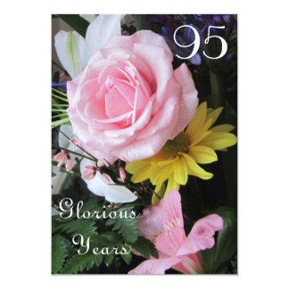 """95.o ¡Celebración del cumpleaños! - Ramo color de Invitación 5"""" X 7"""""""
