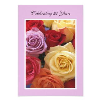 95.o Rosas hermosos de la invitación de la fiesta