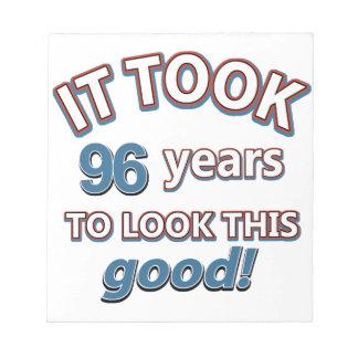 96.os diseños años del cumpleaños bloc de papel