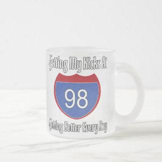 98.o cumpleaños de la ruta 66 taza de cristal