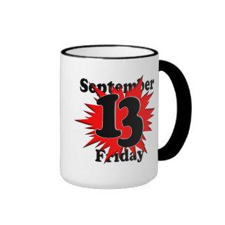 9-13 viernes el décimotercero taza de café