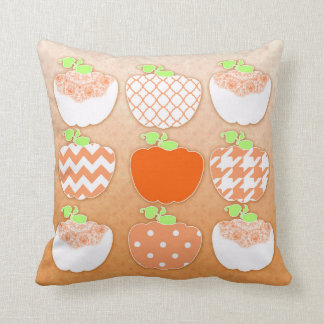 9 Little Traditional Country Pumpkins - Throw Pillow