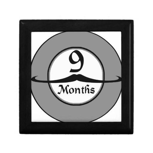 9 meses de jalón del bigote joyero cuadrado pequeño
