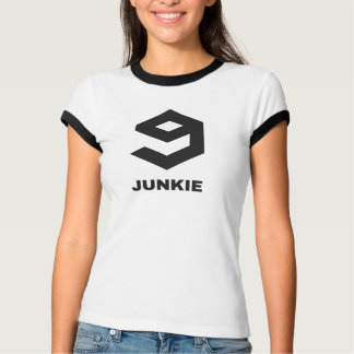 9gag junkie! When 9000 posts are not enough.. T-Shirt