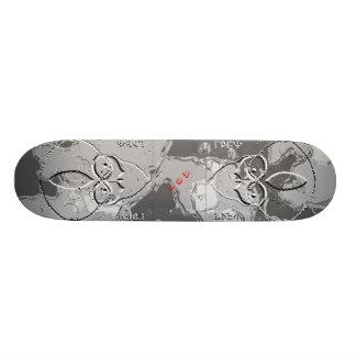 A51 Groom Lake Alien Metalic Skateboard