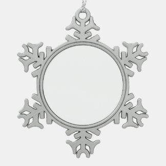a adorno de peltre en forma de copo de nieve