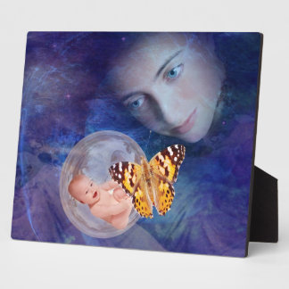 A baby and mother's joy creation plaque
