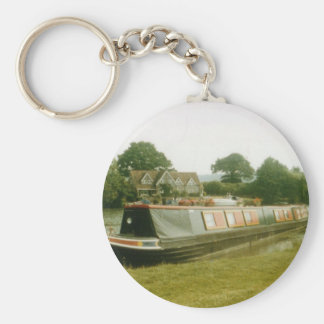 A BARGE ON THE RIVER THAMES AT HENLEY BASIC ROUND BUTTON KEYCHAIN