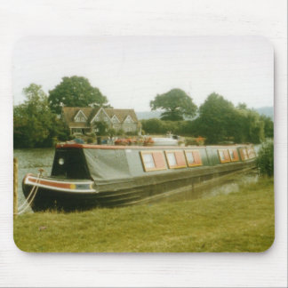 A BARGE ON THE RIVER THAMES AT HENLEY MOUSE PAD