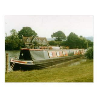 A BARGE ON THE RIVER THAMES AT HENLEY POSTCARD