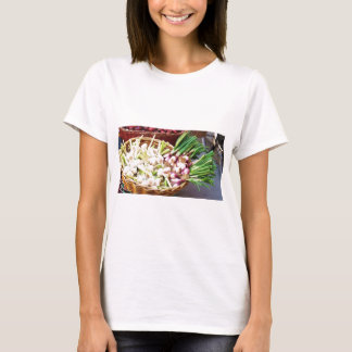 A basket of GARLIC - Naples, Italy T-Shirt