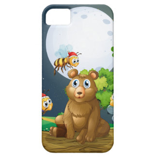 A bear above the log surrounded with Santa bees iPhone SE/5/5s Case