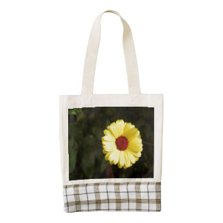 A beautiful yellow flower zazzle HEART tote bag