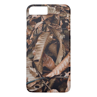 A bed of dried brown autumn leaves iPhone 8 plus/7 plus case