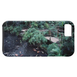 A bridge over a goldfish pond surrounded by iPhone SE/5/5s case