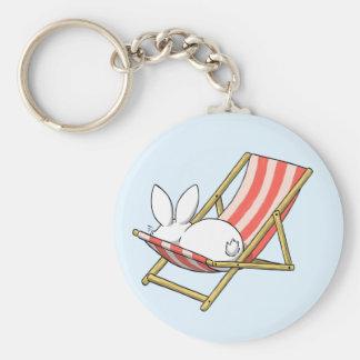 A bunny and a deckchair keychain