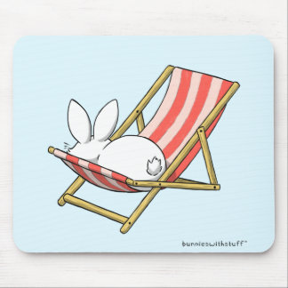 A bunny and a deckchair mouse pad