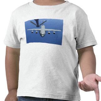 A C-17 Globemaster III approaches the boom Tshirts