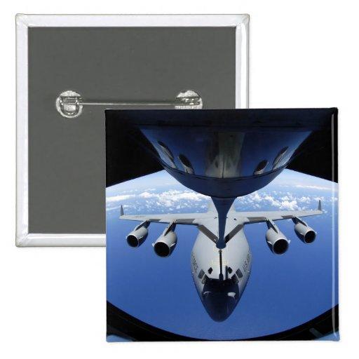A.C. - 17 Globemaster III recibe el combustible Pin
