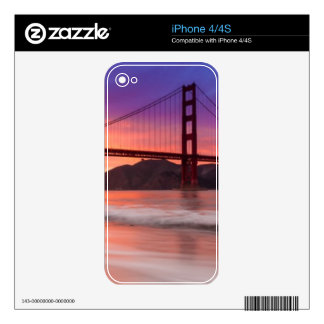 A capture of San Francisco's Golden Gate Bridge Decal For iPhone 4