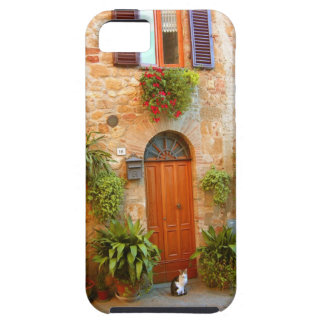 A cat seeks entrance to home in Pienza, Italy. iPhone SE/5/5s Case
