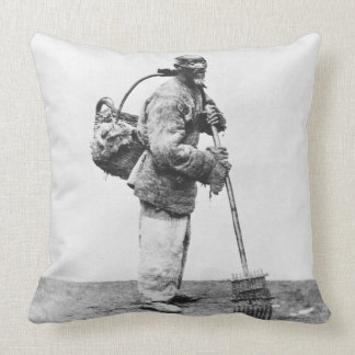 A Chinese day labourer, c.1870 (b/w photo) Throw Pillow