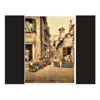 A court yard (Calle dell Angelo a San Martino), Ve Postcard