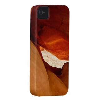A DRAGON HIDEOUT iPhone 4 COVERS