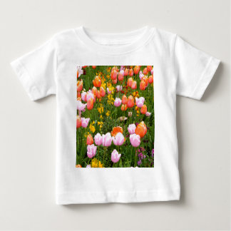 A field of tulips in Amsterdam T-shirts