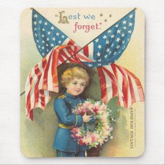 A fin de olvidemos Memorial Day Alfombrillas De Ratones