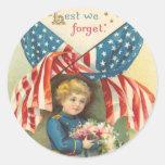 A fin de olvidemos Memorial Day Etiqueta Redonda