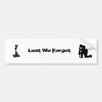 A fin de olvidemos (nuestros caidos) pegatina para auto
