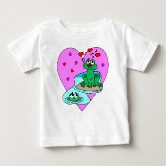 A Frogs In Love Tshirts