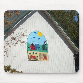 A Fun Barn Quilt Mouse Pad