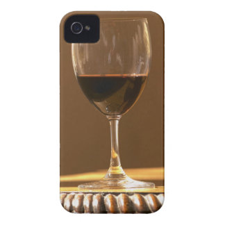 A glass of red Chateau Belgrave in sunlight - iPhone 4 Cover