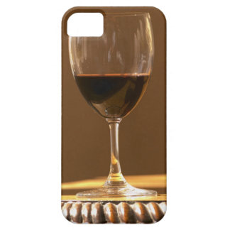 A glass of red Chateau Belgrave in sunlight - iPhone SE/5/5s Case