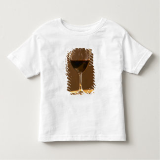 A glass of red Chateau Belgrave in sunlight - Toddler T-shirt